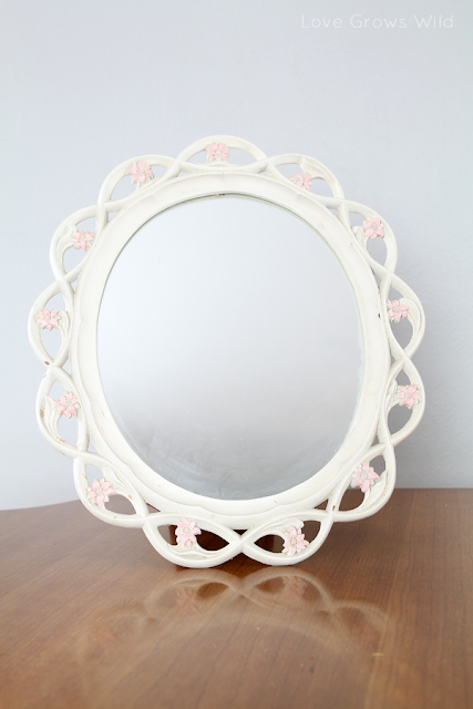 Thrifted Mirror Makeover by Love Grows Wild www.lovegrowswild.com #thrifty #decor #diy