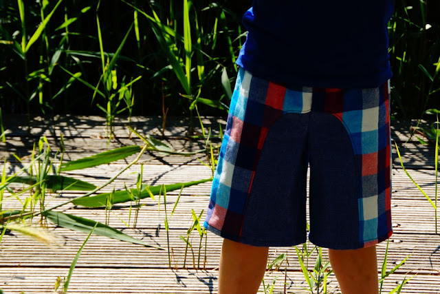 Surfer Shorts pattern By Rabbit Rabbit Creations, sewn by huisje boompje boefjes