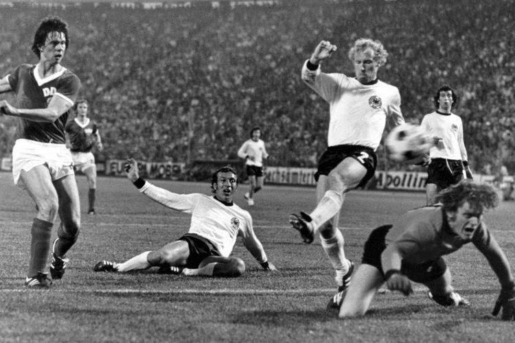 Resultado de imagen para alemania occidental oriental mundial 1974