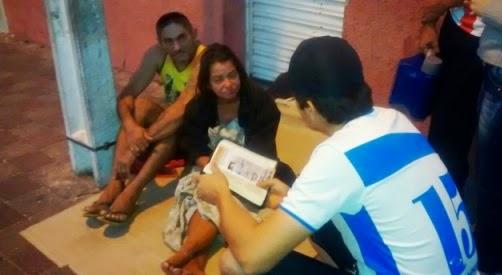 """""""Acordar com fé e sem fome"""", ação leva ajuda material e espiritual à moradores de rua de Patos (PB)"""