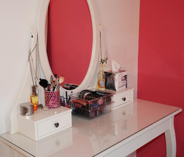 wie bewahrt ihr eure schminke auf forum glamour. Black Bedroom Furniture Sets. Home Design Ideas