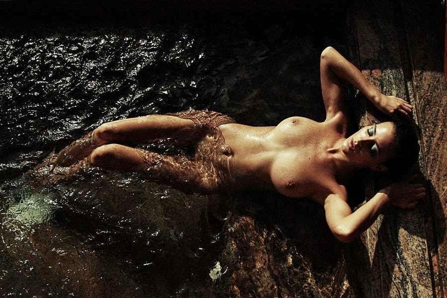 Desnuda Para Love Magazine Olvido Hormigos Pletamente
