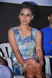 Rupa Manjari Pictures in Floral Dress at Sivappu Movie Press Meet ~ Celebs Next