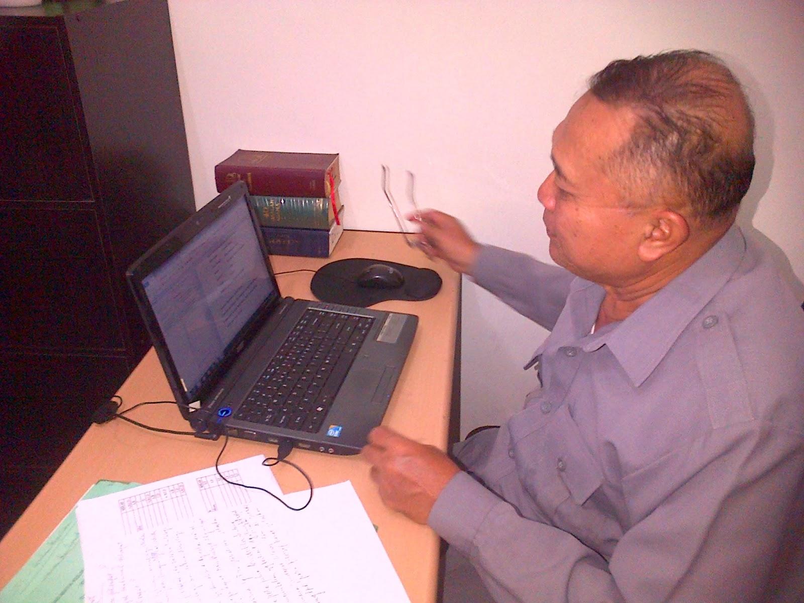 dan Bapak HRD pun Pakai Acer Aspire Kata Beliau Praktis Lebih Tipis Lebih Ringan dan Tahan Banting doc pribadi