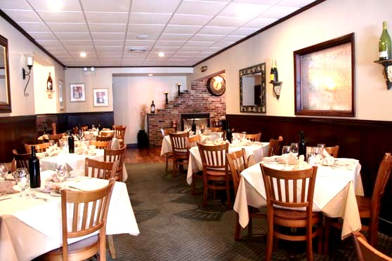 Chadwicks Restaurant American Chop House And Bar On Long Island Reserve Early For Mother S Day And Spend A Cozy Relaxed Day At Chadwicks In Rockville Centre On Long Island For A Beautiful Class