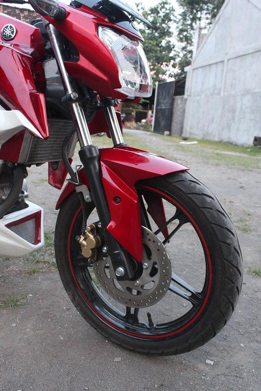 Lihat juga gambar / foto motor vixion yang sudah dimodifikasi .