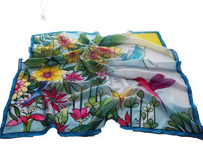 Születésnapi ajándék nőknek - kolibri selyem kendő kézzel festve