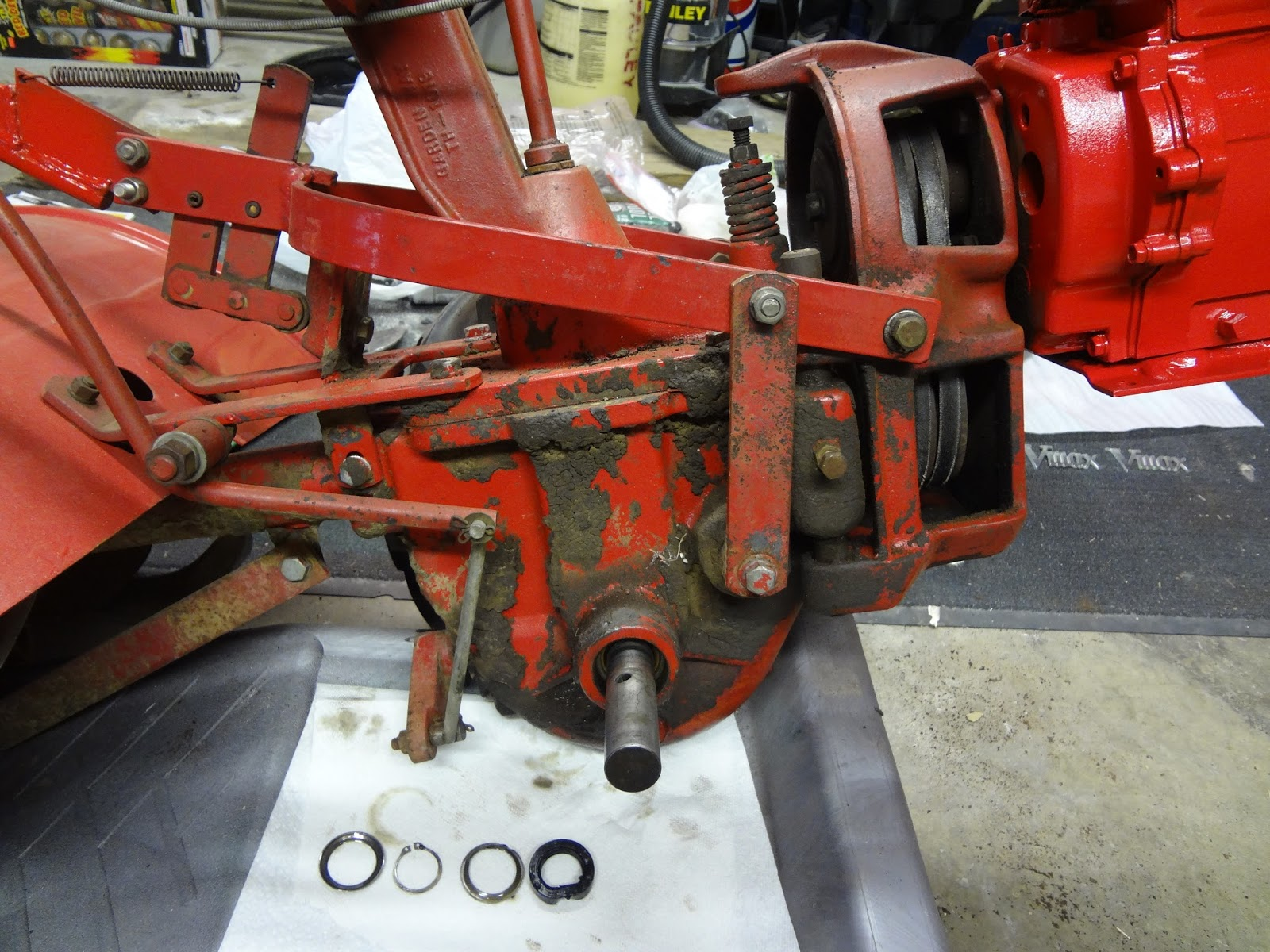Restoring a 1977 troy bilt horse tiller painting the entire tiller that dirt was caked on there sciox Image collections