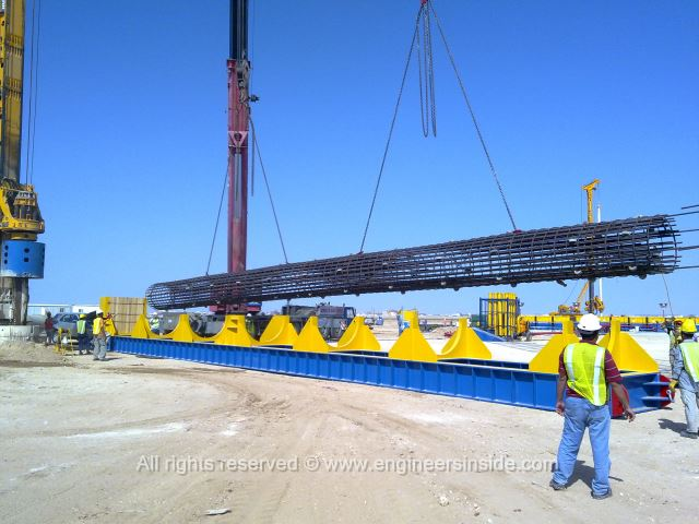 Test pile being placed to the lifting platform