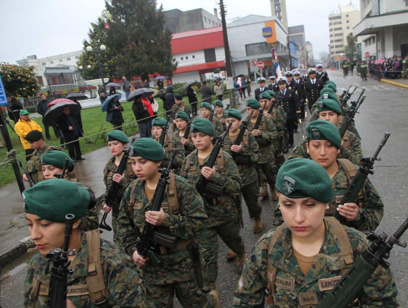 http://www.soychile.cl/Valdivia/Sociedad/2014/08/20/269470/Estudiantes-y-Fuerzas-Armadas-desfilaron-en-natalicio-de-OHiggins.aspx
