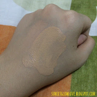 Holika Holika Aqua Petit Jelly BB 02 Aqua Neutral hand swatch