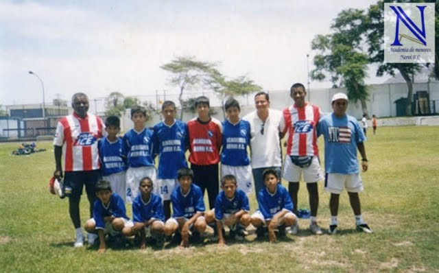 EN EL COLEGIO ABRAHAM LINCOLD 2006