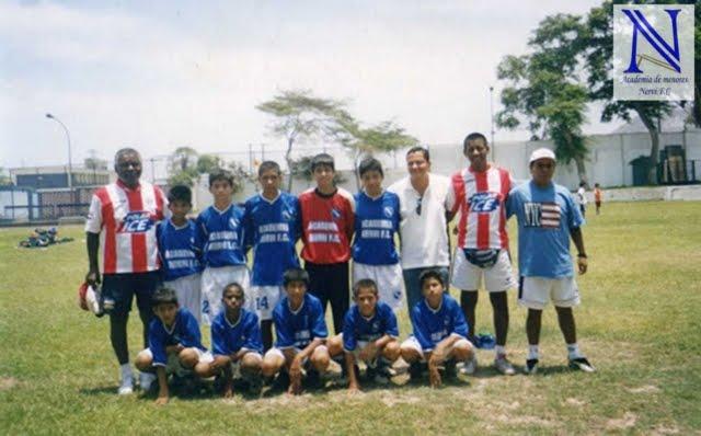 EN EL COLEGIO ABRAHAM LINCOLD 2006