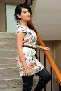 Archana Latest Gorgeous Looking Pictures 014.jpg