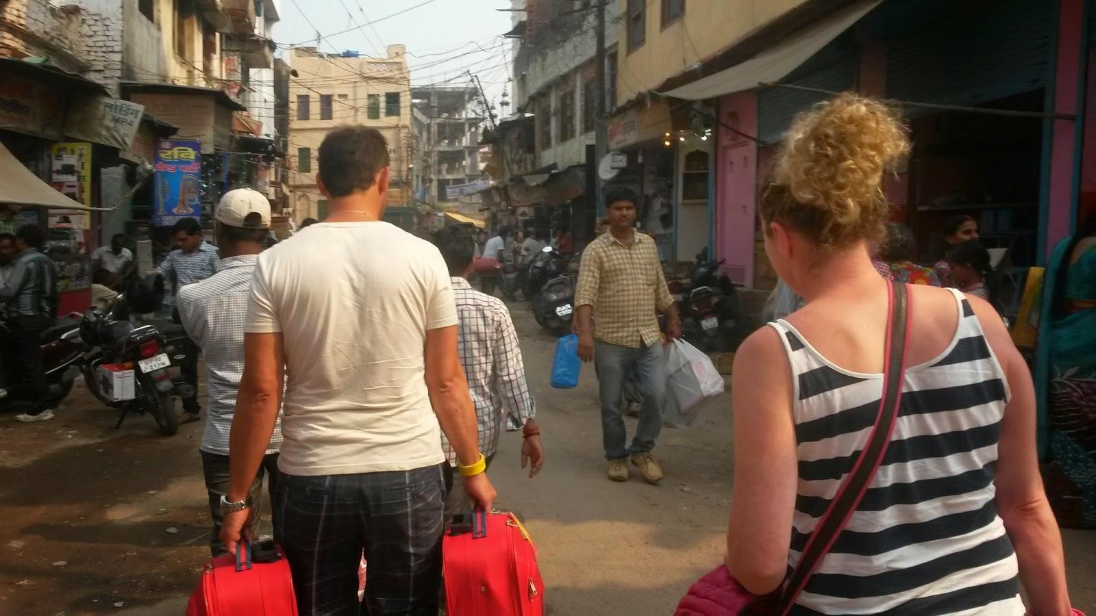 Viaje a India: calles de Varanasi (Benares)