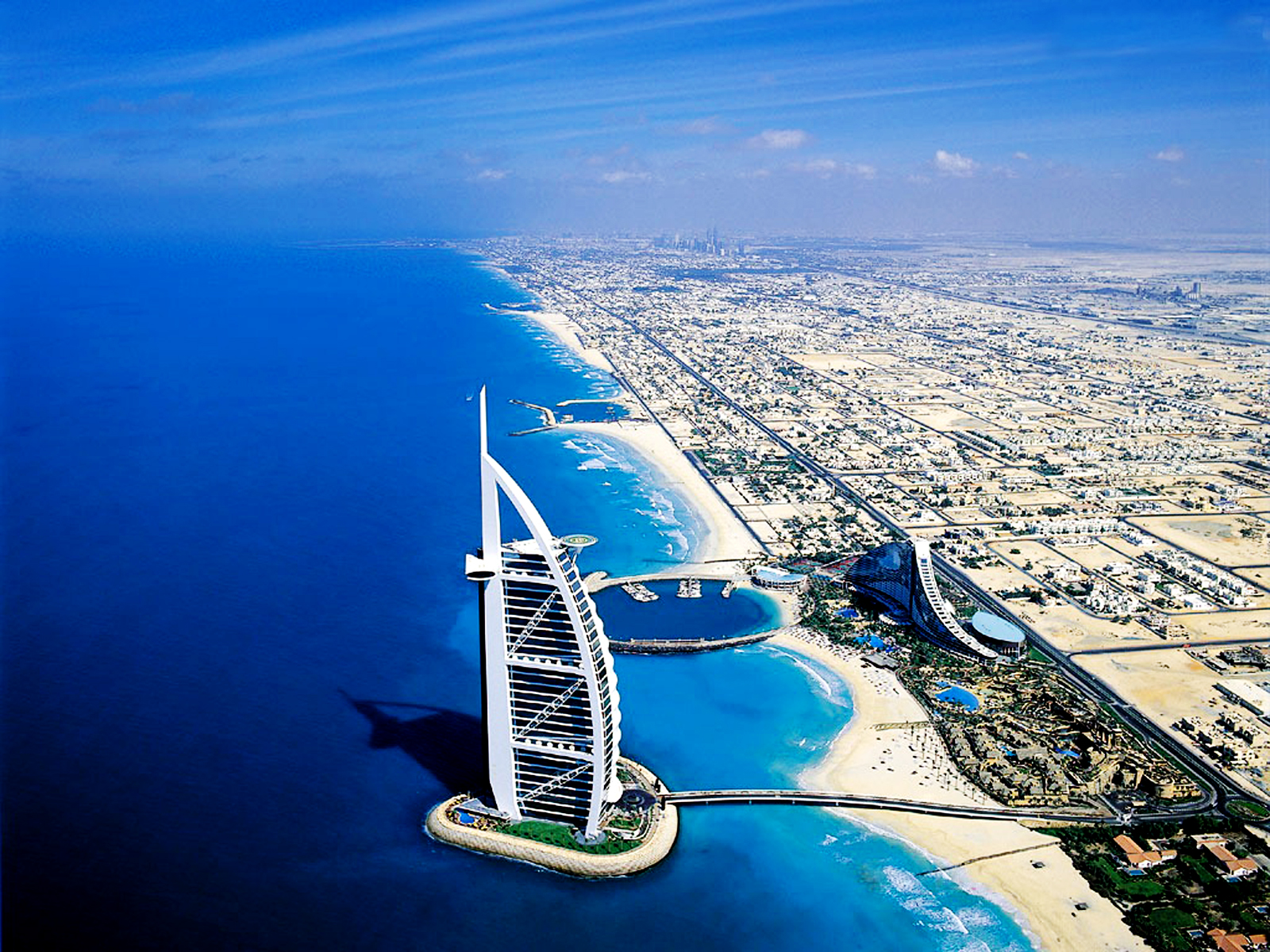 Central wallpaper luxury hotel burj al arab hd wallpapers for Burj arab dubai