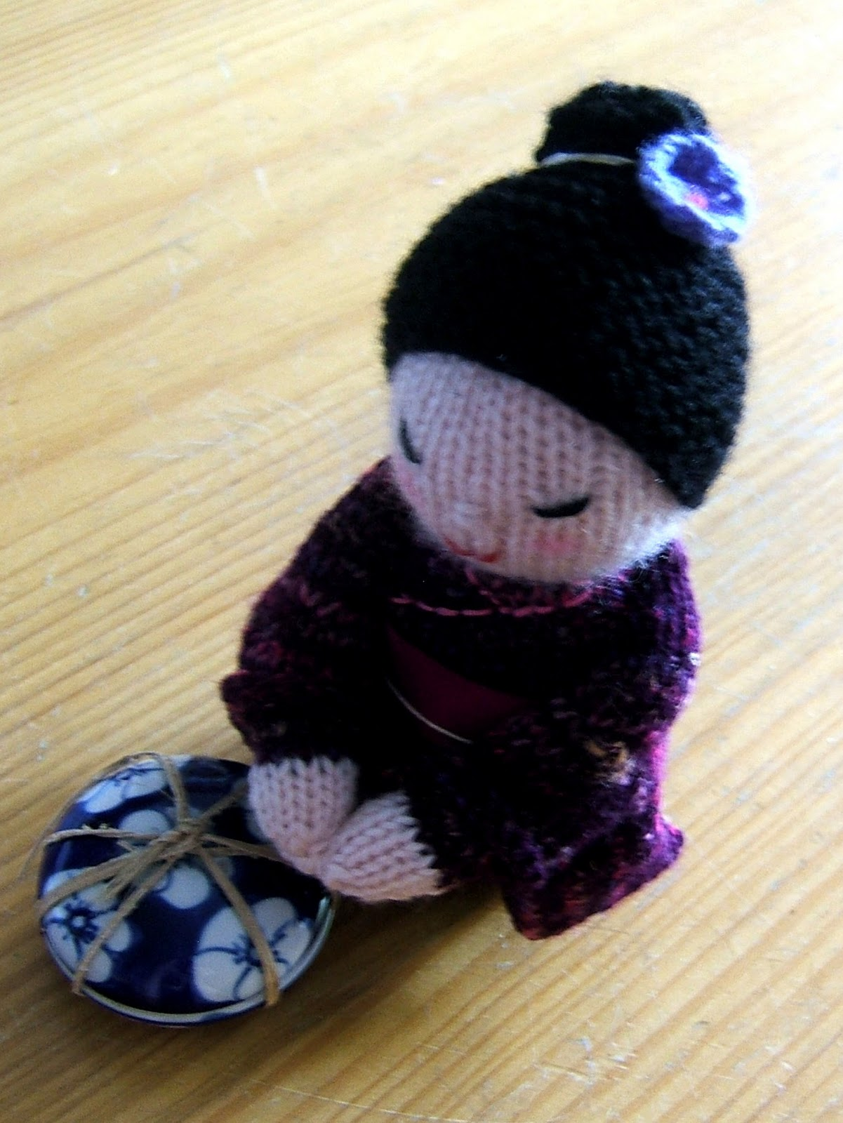 Kokeshi Doll Knitting Pattern : aussie knitting threads: Kokeshi Doll