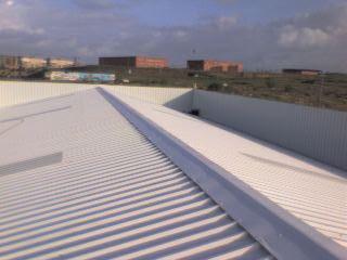 Impermeabilizamos con la instalaci n panel s ndwich en - Material para tejados ...