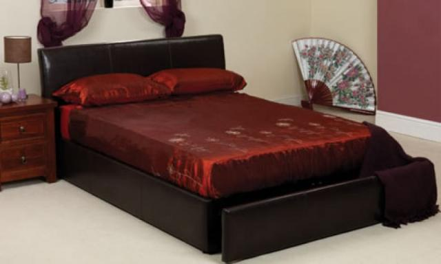 Camas con cajones que ahorran espacio drawer bed by for Cama matrimonial con gavetas