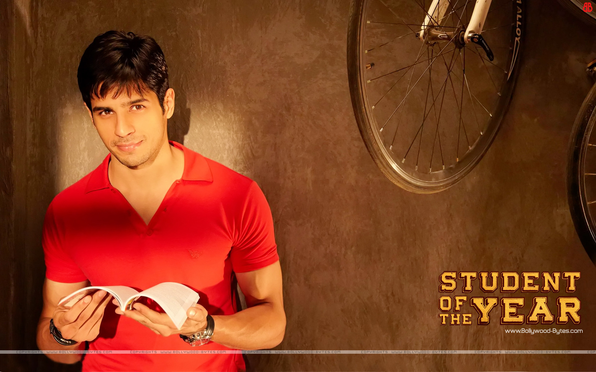 http://2.bp.blogspot.com/-WRaxeLqw9-0/UGtDfFgFfVI/AAAAAAAAQds/0YNm_Xi2sMk/s1920/Student-Of-The-Year-+Hot-Sidharth-Malhotra-HD-Wallaper-36.jpg