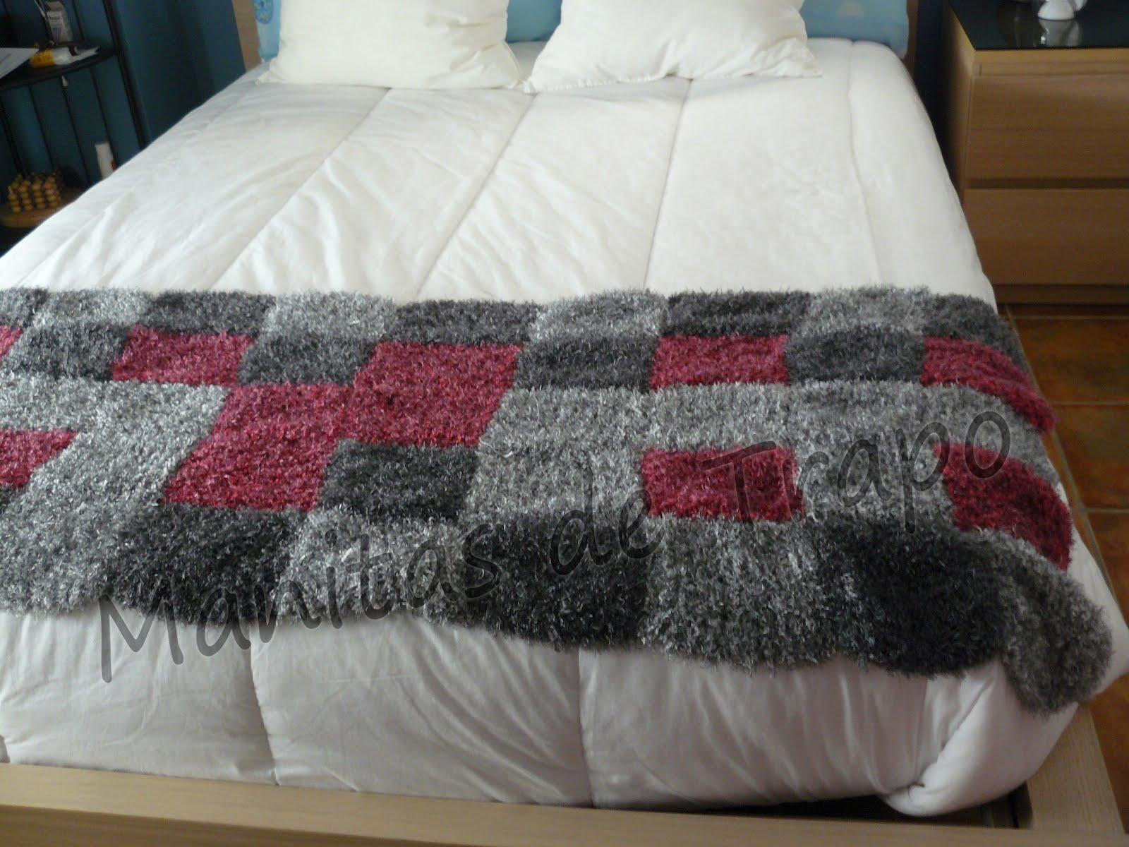 Manitas de trapo manta cubrepi s for Cubrepies de cama
