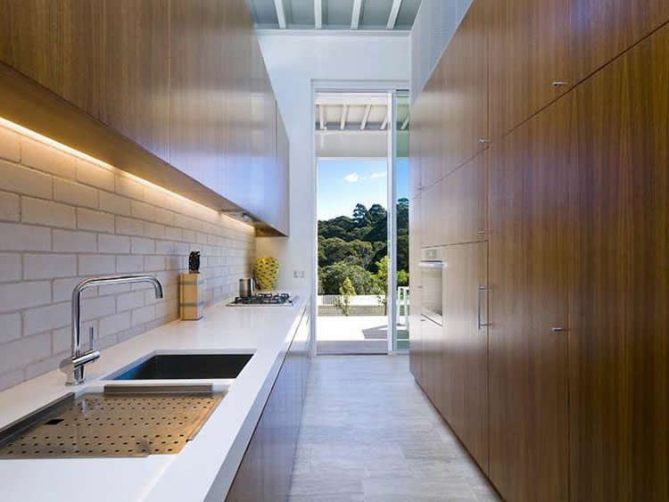 On The Market Hill House By Chenchow Little A White