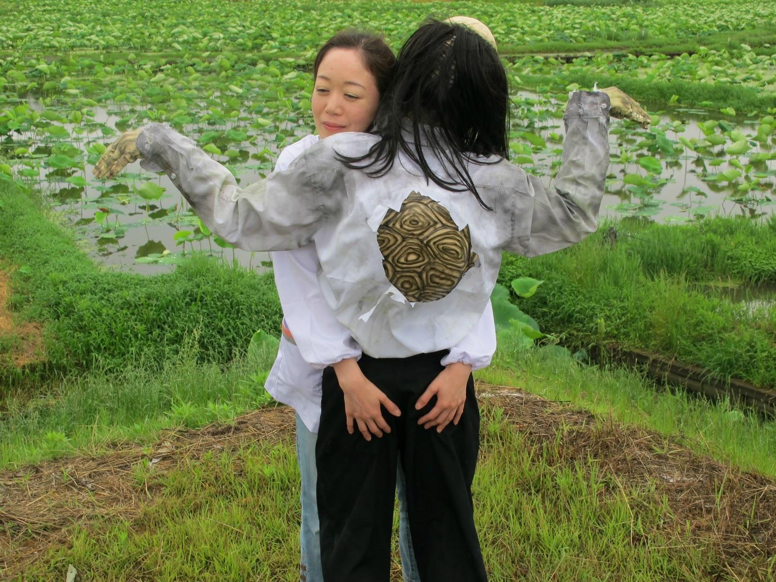 http://2.bp.blogspot.com/-WRuRN429gcU/ToW_zW50qKI/AAAAAAAACIs/VgKp5xDVaTM/s1600/Underwater+Love+-+42euc+-+Imgur.jpg