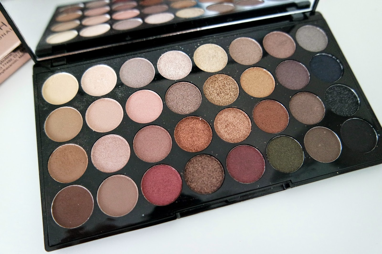 Makeup Revolution 32 Ultra Eyeshadows Flawless Palette on http://emandhanxo.blogspot.co.uk/