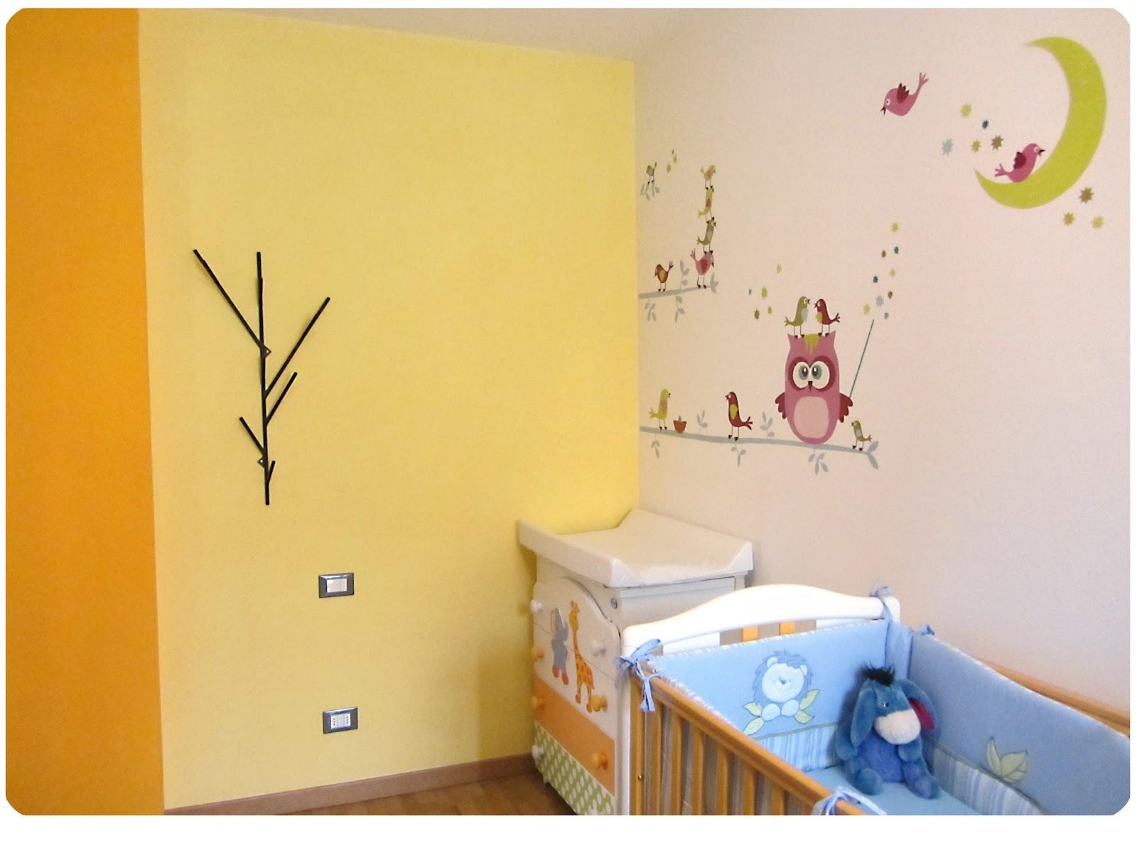 Decorare pareti camera idee decorazione pareti camera da for Decorare stanza neonato