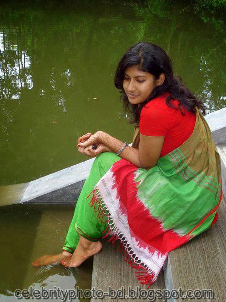 Desi+Girls+In+Salwar+Kameez+Photos010