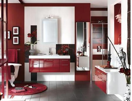 decorar con rojo el baño