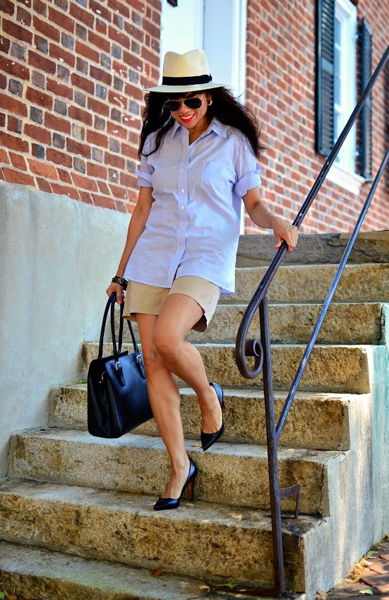 How to style khaki shorts