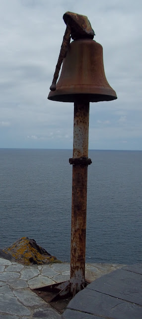 Campana de hierro - Iron bell