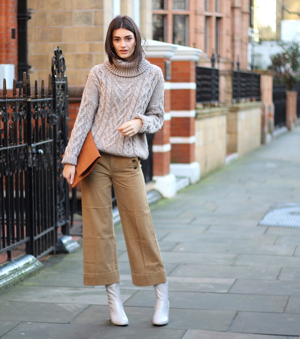 peexo fashion blogger wearing neutrals