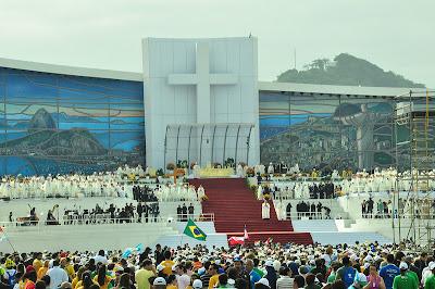"""#JMJRio2013 - Papa Francisco, aos jovens, no final da JMJ: """"Ide, sem medo, para servir!"""""""