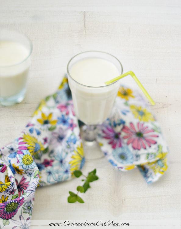 receta de smoothie de plátano y naranja