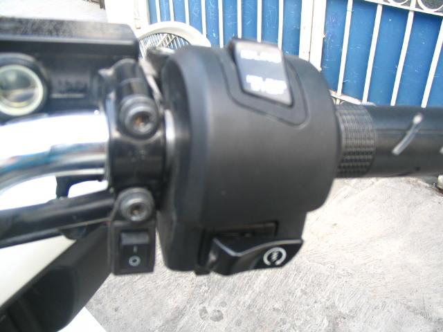 Motor ini juga di lengkapi dengan LAMPU BLITZ nah ini saklar untuk  title=