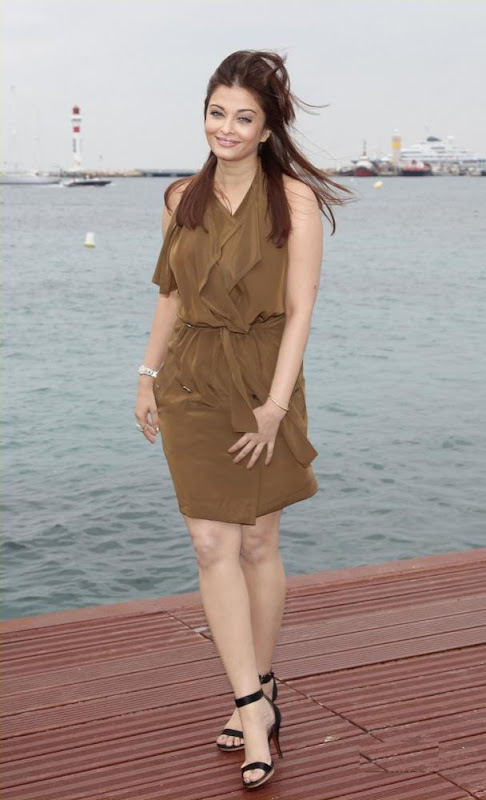 Aishwarya Rai Bachchan Heroine photocall Stills hot photos