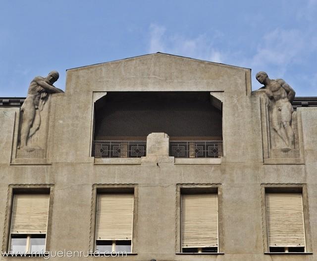 Esculturas-Edificios-Praga-2