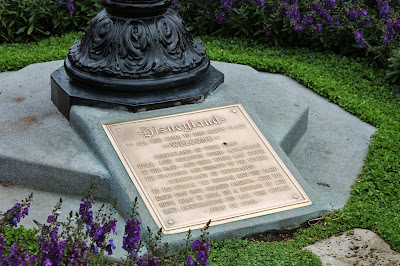 Dreaming Disney - Walk in Walt's Disneyland Footsteps