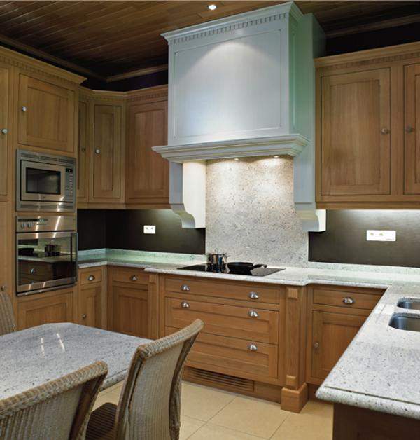 Rustik chateaux cocinas r sticas y cl sicas de lujo - Muebles de cocina de lujo ...