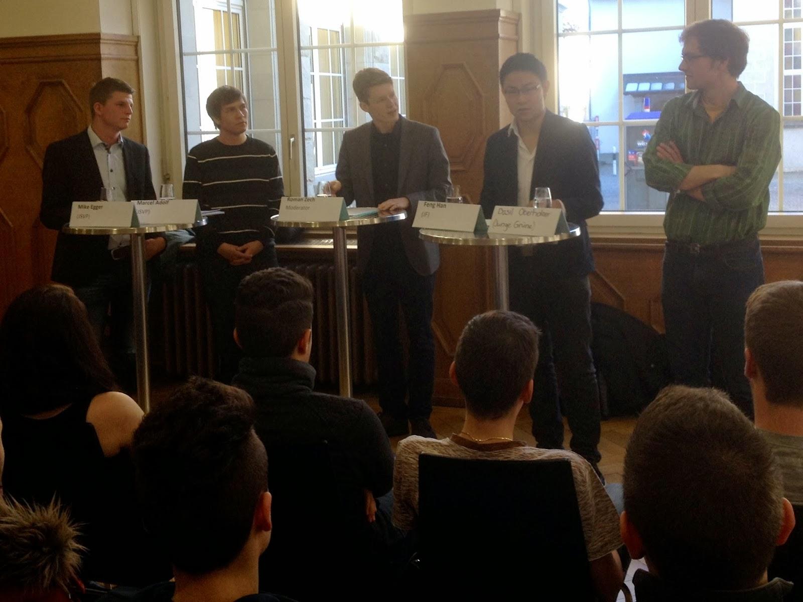 Jungpolitiker diskutieren vor Gewerbeschülern der GBS