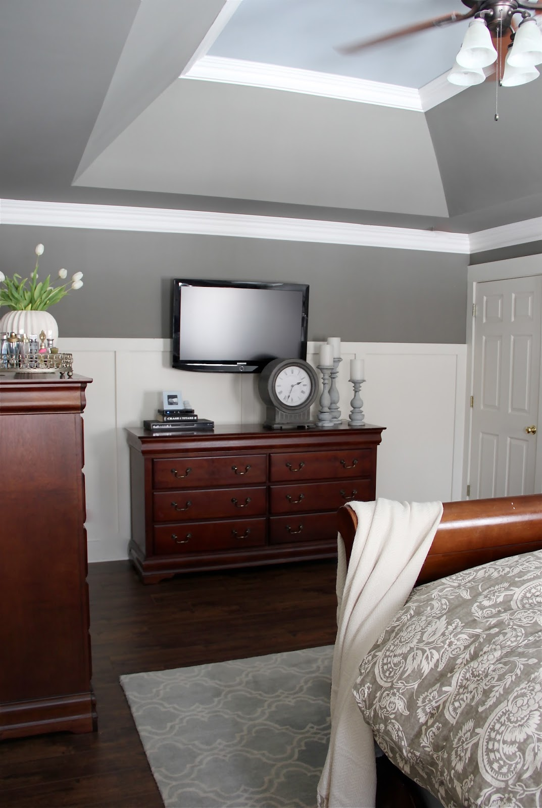The yellow cape cod giveaway and reveal my master bedroom makeover the yellow cape cod giveaway and reveal my master bedroom makeover with sherwin williams izmirmasajfo