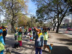 Nossos alunos o desfile: Guarda responsável: Eu curto. Eu cuido