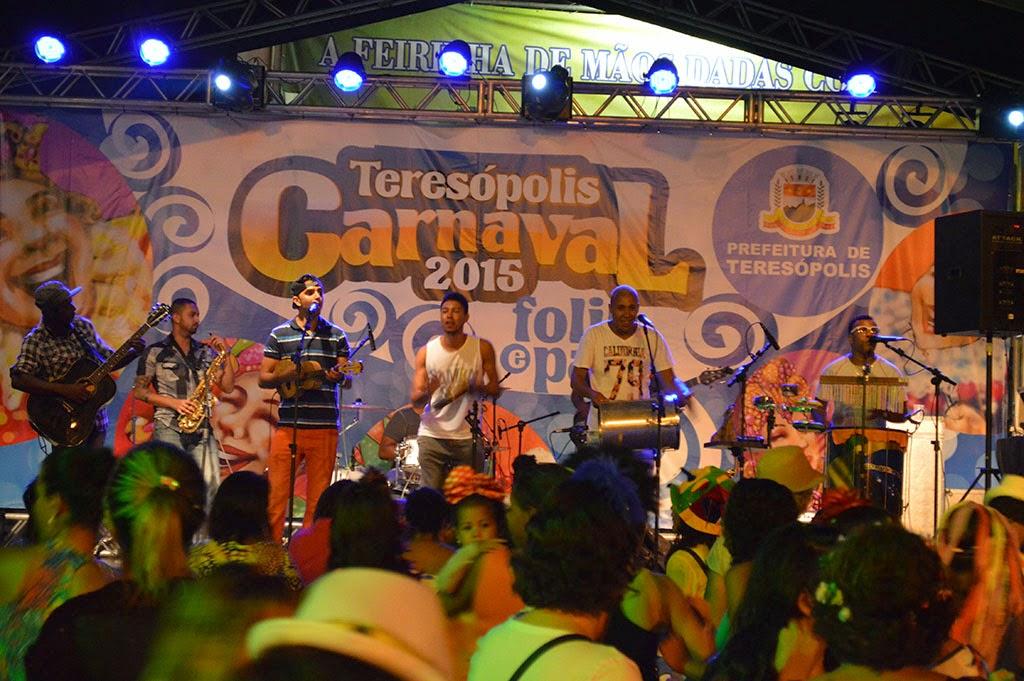 Público da Feirinha curte show da Banda Para de Graça