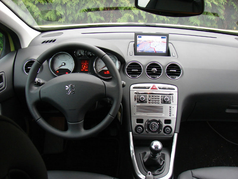 Psa cars pictures peugeot 308 for Interieur 308