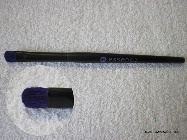 Essence Eyeshadow Brush Review