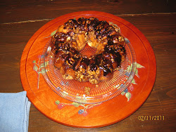 Stephanie's Sticky Bun Tea Ring
