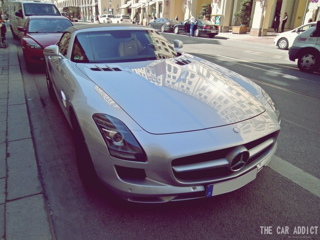 Carspotting in Munich Mercedes-Benz SLS Roadster