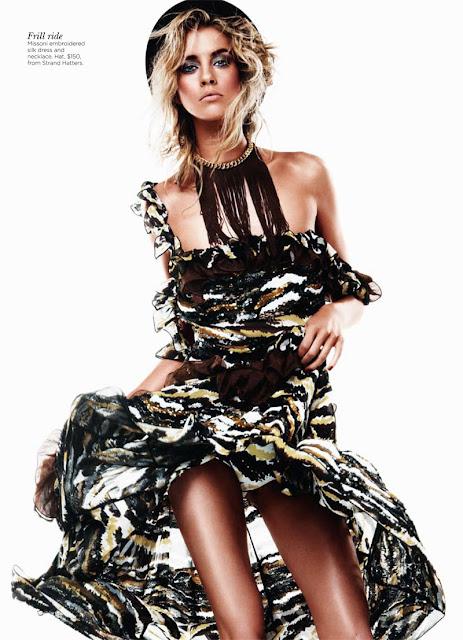 Julia Frauche sexy in dress
